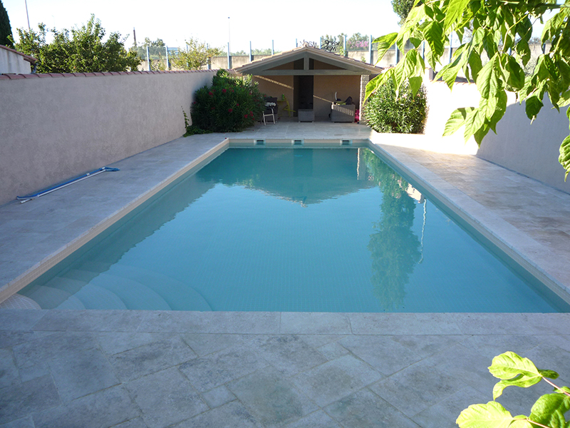 Carrelage piscine gris perfect with carrelage piscine - Piscine liner ou carrelage ...