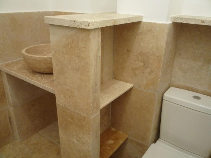 vasque de salle de bain travertin